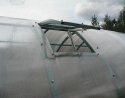 Форточка на крышу